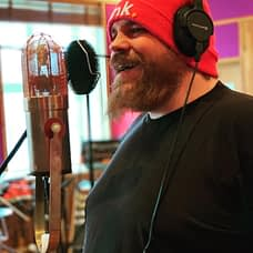 Drummer Ola Högberg records som backing vocals