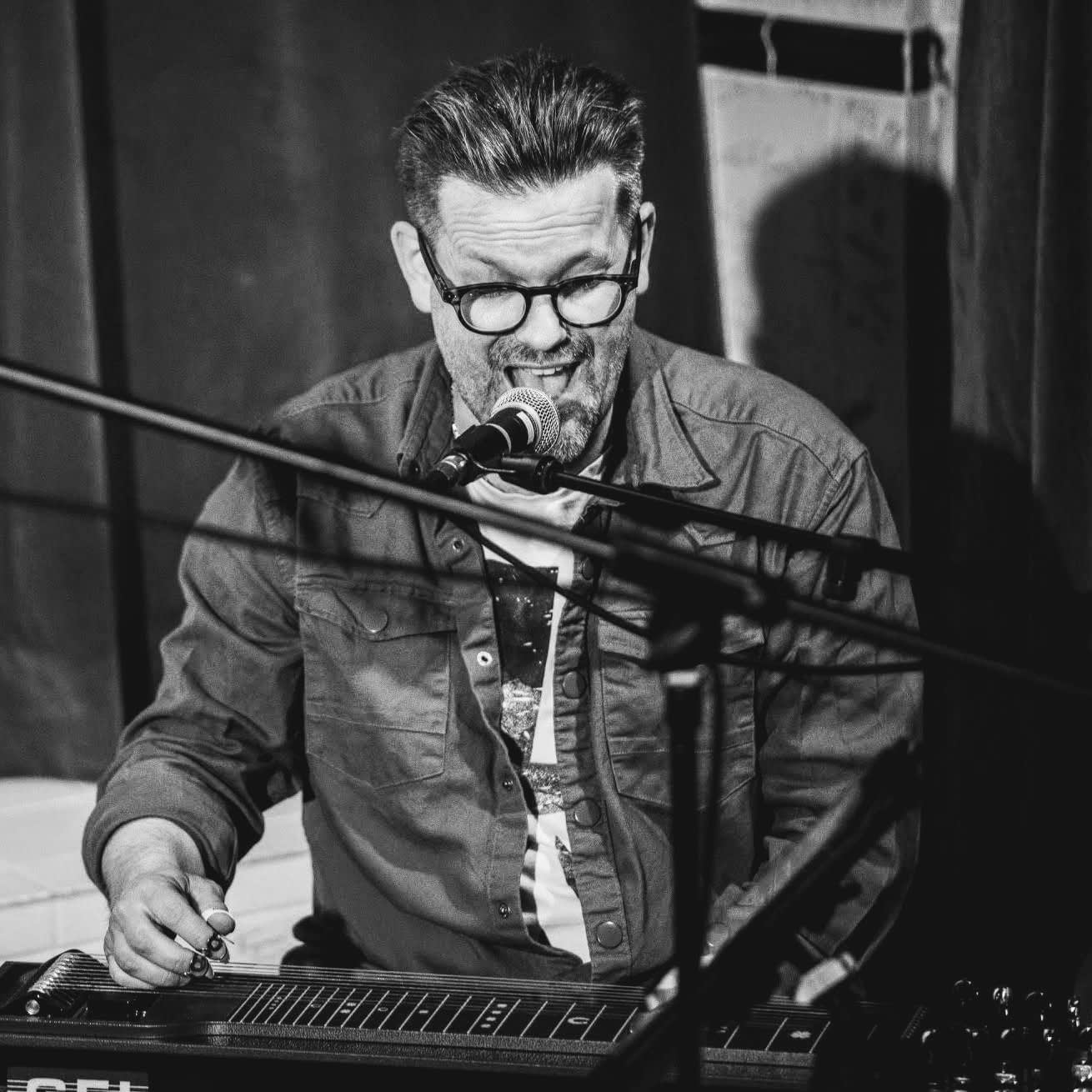 Peter Gunnebro - pedal steel player in the band