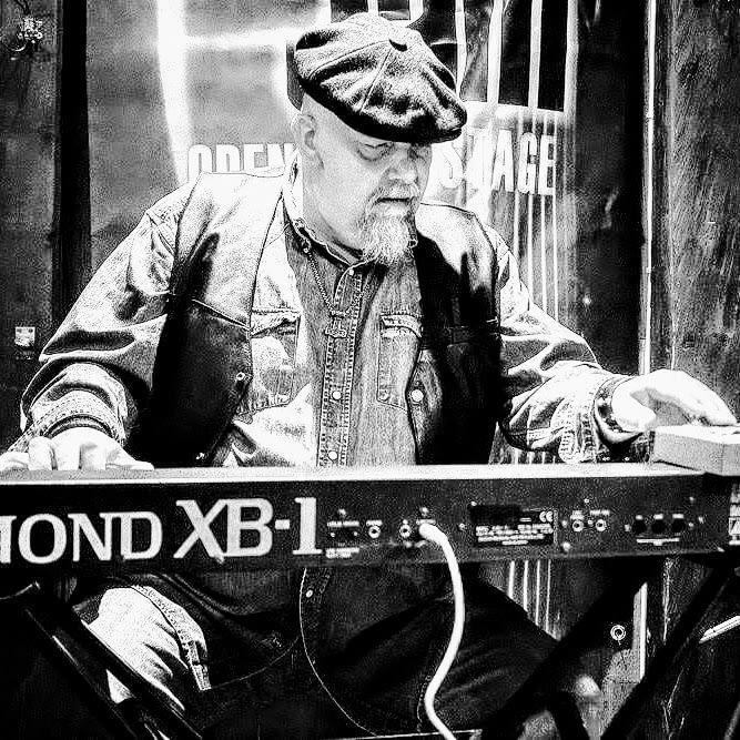 Jocke Åslund, Hammond organ player in the band